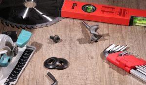 Akku-Handkreissäge für Arbeit mit Holz